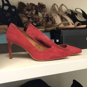 Red suede heels 👠